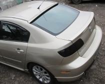 Аэродинамический козырек на заднее стекло Mazda 3 седан