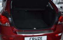 Накладка на задний бампер Chevrolet Cruze hatchback (защитная накладка бампера Шевроле Круз хэтчбек)