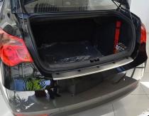 Накладка на задний бампер MG 550 (защитная накладка бампера Morris Garages 550)