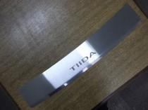 Накладка на задний бампер Nissan Tiida хэтчбек (защитная накладка бампера Ниссан Тиида 1 хэтчбек)