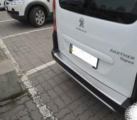 Накладка на задний бампер Пежо Партнер 2 (защитная накладка бампера Peugeot Partner 2)