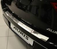 Накладка на задний бампер Тойота Аурис 2 (защитная накладка бампера Toyota Auris 2)
