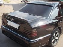 Накладка на заднее стекло спойлер Мерседес W124