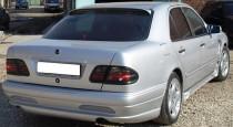 Козырек заднего стекла на Mercedes W210 (E-Class)