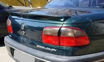 Спойлер на багажник Опель Омега Б (задний лип спойлер Opel Omega