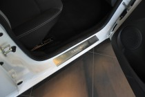 Накладки на пороги Рено Сандеро 2 (защитные накладки Renault Sandero 2)