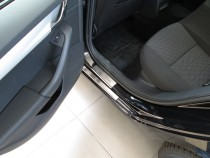 Накладки на пороги на машину Шкода Октавия А7 (защитные накладки