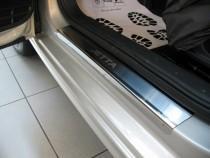 Накладки на пороги Фольксваген Джетта 6 (защитные накладки Volkswagen Jetta 6)