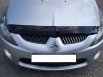 Мухобойка капота Митсубиси Грандис (дефлектор на капот Mitsubishi Grandis)