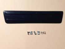 Зимняя заглушка решетки бампера Рено Трафик 2 (глянцевая накладка на решетку Renault Trafic 2)