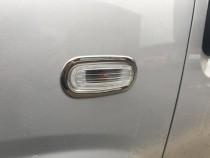 Хром накладки на повторители поворотов Фиат Добло 2 (хромированная окантовка повторителей Fiat Doblo 2)