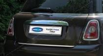 Хромированная накладка на багажник Мини Купер R56 (хром накладка над номером Mini Cooper R56)