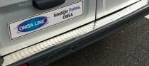 Хром накладка на задний бампер Опель Виваро 1 (хромированная накладка заднего бампера Opel Vivaro 1)