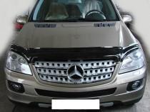 Мухобойка капота Мерседес МЛ Класс W164 (дефлектор на капот Mercedes ML Class W164)