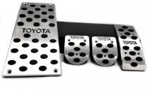 Пластины на педали Тойота Рав4 2 механика (алюминиевые пластинки педалей Toyota Rav4 2)