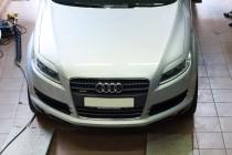 Монтаж ресничек передних фар Audi Q7