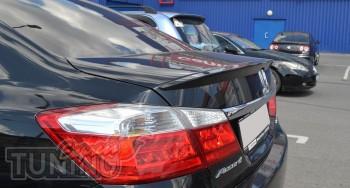 Спойлер на кромку крышки багажника Honda Accord 9
