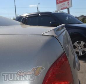 Задний спойлер на багажник Skoda Octavia A4 Tour (фото ExpressTu