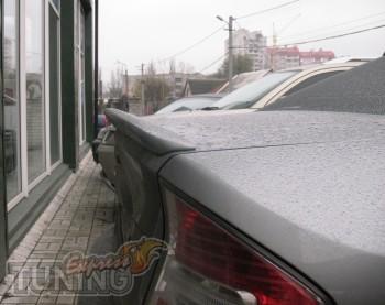 Аэродинамический лип спойлер на багажник Subaru Legacy B4 (магаз