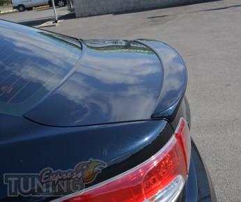 Накладка спойлер на багажник Toyota Avensis 3 (тюнинг спойлер Ав