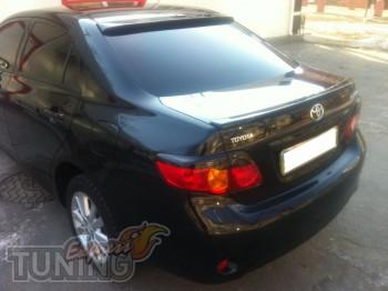 Тюнинг реснички на стопы Toyota Corolla X (фото ExpressTuning)