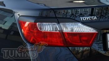 Задние реснички на фары Тойота Камри 50 (накладки на стопы Toyot