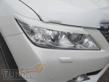 Накладки на фары Toyota Camry V50 седан (установка ресничек на Т