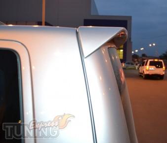 Установка заднего тюнинг спойлера на Volkswagen Transporter T5,