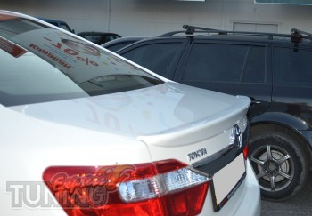 Спойлер на Тойоту Камри 50 (установка заднего спойлер Toyota Cam