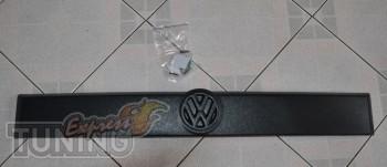 Купить матовую зимнюю накладку на решетку Volkswagen Transporter