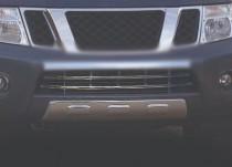 Хромированная решетка в бампер Nissan Navara 2 D40
