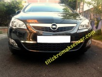 Хром накладки на передний бампер Opel Astra J