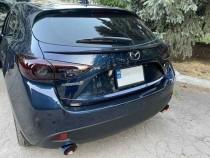 Спойлер под стекло Mazda 3 BM хэтчбек
