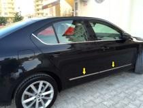 Хромированные молдинги на двери Skoda Octavia A7