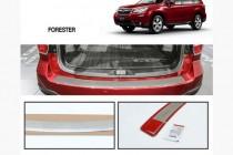 Хром накладка на задний бампер Subaru Forester 4