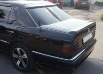 Спойлер Мерседес W124 (задний спойлер на багажник Mercedes W124)