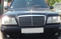 Купить реснички на фары Mercedes W124 (фото спереди, ExpressTuni