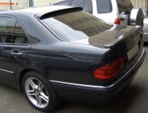 Установка спойлера на стекло Mercedes W210 (магазин ExpressTunin