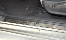 Накладки на пороги Тойота Авенсис 3 (защитные накладки Toyota Avensis 3)