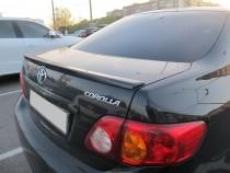 Оригинальный задний спойлер на багажник Toyota Corolla (лип спой