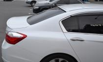 Установка спойлер на заднее стекло Honda Accord 9 поколения