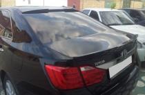 Накладка на стекло Тойота Камри 50 седан (спойлер бленда Camry 5