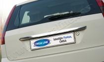 Хромированная накладка на багажник Форд Фиеста 5 (хром накладка над номером Ford Fiesta 5)