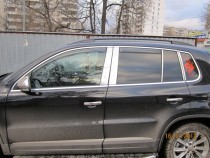 Хромированные молдинги дверных стоек Фольксваген Тигуан 1 (хром молдинги на стойки Volkswagen Tiguan 1)