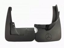 Передние брызговики Mercedes ML 164 без порогов (оригинальные брызговики на Mercedes ML 164)