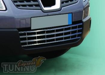 Хромированная решетка в бампер Nissan Qashqai 1
