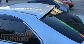 Спойлер на стекло Хонда Аккорд 7 (бленда)