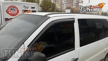 Модельные ветровики на двери Mercedes Vito W638 фото