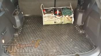 Резиновый коврик в багажник на Ford Explorer 5 фото