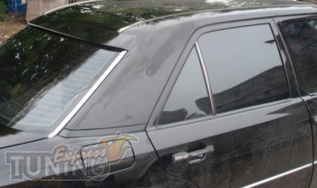 Спойлер на стекло Мерседес Е124 (козырек на Mercedes W124)